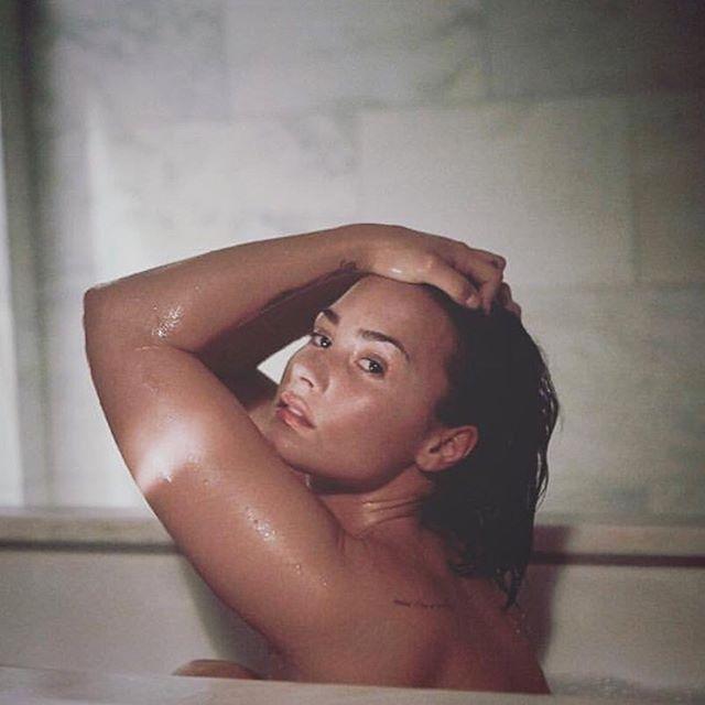 demi lovato nude in bathtub