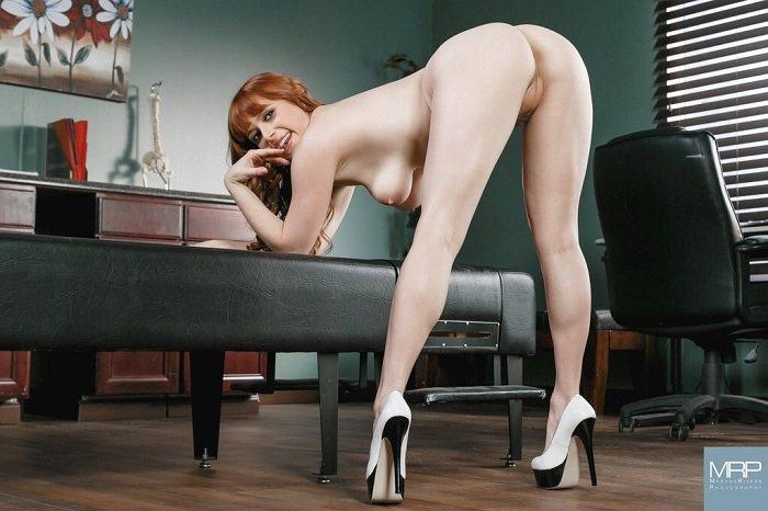redhead-pornstar-penny-pax